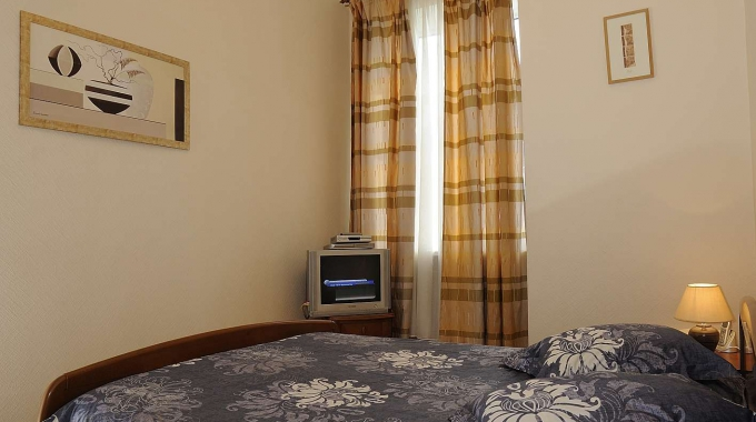 Furnished 3 Room Apartment Near Independence Square  U0026 Main
